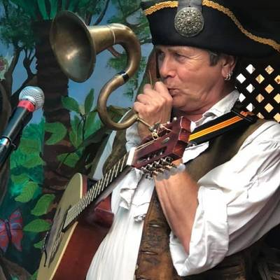 Piratitude Gallery Image. -  Barnacle's big horn - Hilarious Pirate Party